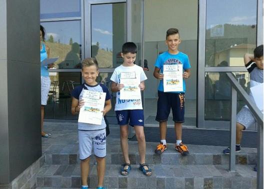 Победители в състезанието с велосипеди (3-та възрастова група) – Алекс Пехливанов, Енес Кушев и Кевин Тодоров