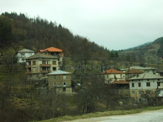 Бяла река е село в Южна България. То се намира в община Рудозем, Област Смолян