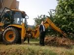 Кметът на Мадан направи първата копка в изграждането на 25 обекта- детски площадки и кътове за отдих