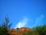 15 дка сухи треви и храсти са изгорели вчера, а предполагаемата причина за пожара е хвърлена незагасена цигара