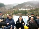 """С нестандартна церемония министър Лиляна Павлова възобнови строителството на яз. """"Пловдивци"""""""