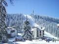 Сняг се сипе над Пампорово, натрупа нова снежна покривка