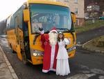 Дядо Коледа захвърли шейната и седна зад волана на ученически автобус в Рудозем