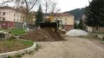 Стартираха довършителните строителни дейности в междублоковото пространство на Рудозем