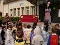 Приказни герои търсиха пантофката на Пепеляшка в Пловдивци