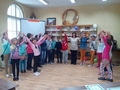 """""""Приказната пътечка"""" на НЧ """"Христо Ботев – 2000"""" събра на едно място над 150 деца от общината"""