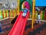 """Малчугани от цялата община тестваха новата детска площадка в кв. """"Възраждане"""""""
