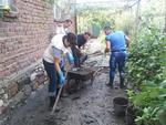 Кандидатите за депутати от ГЕРБ в Смолян чистят домовете на пострадали в Димитровград